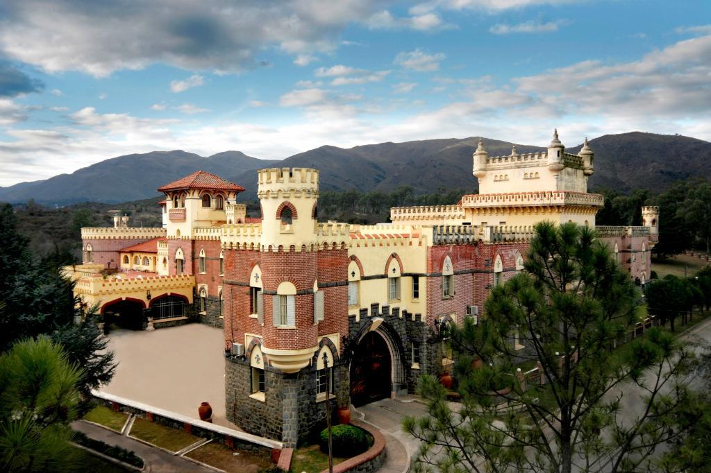 El Castillo Hotel Fabrega Organizational Center