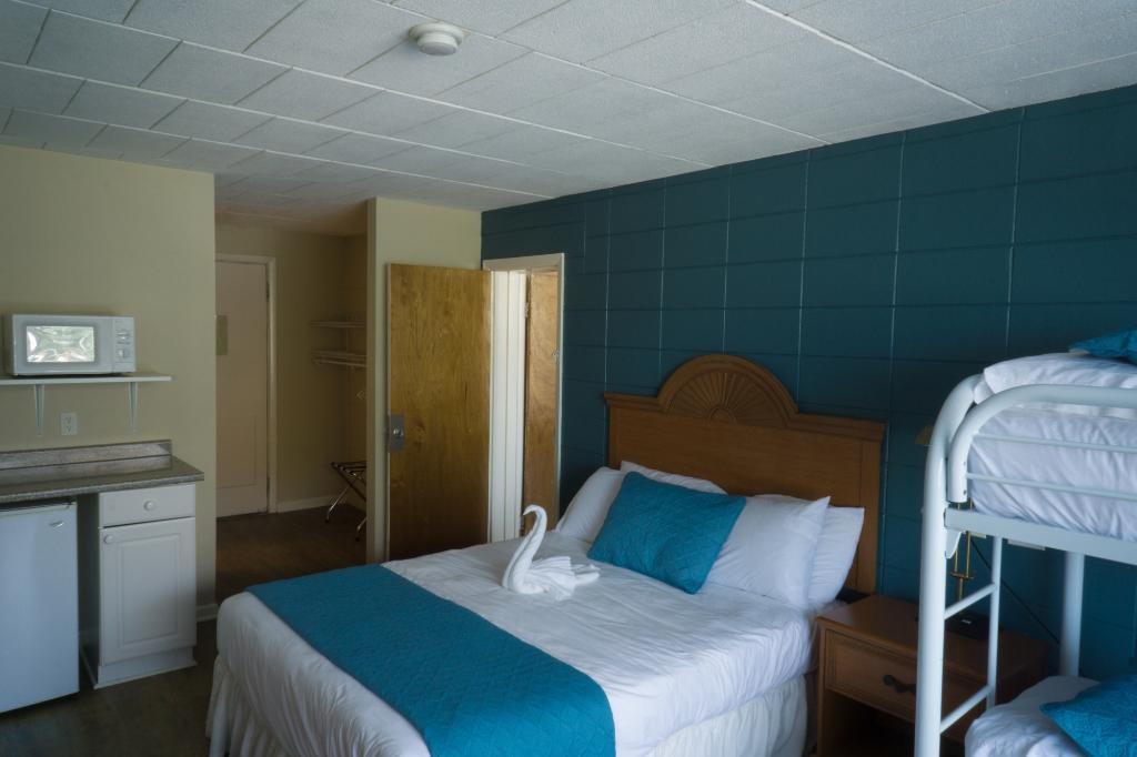 Charlroy Motel