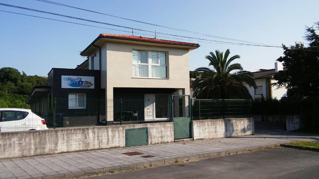 Playa De Toro Apartamentos