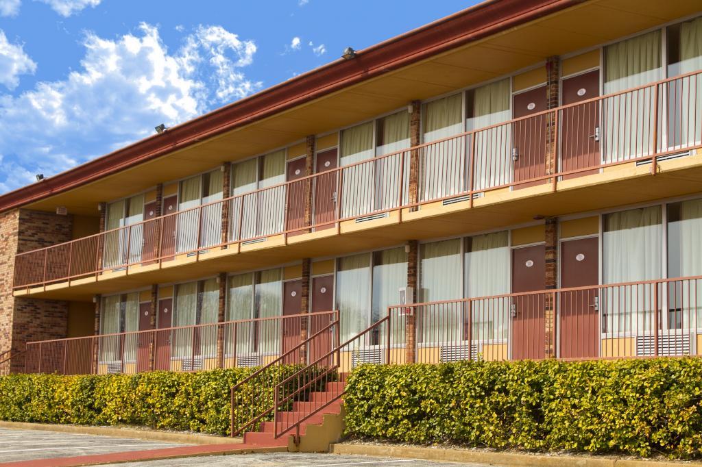 Crown Club Inn Branson By Exploria Resorts