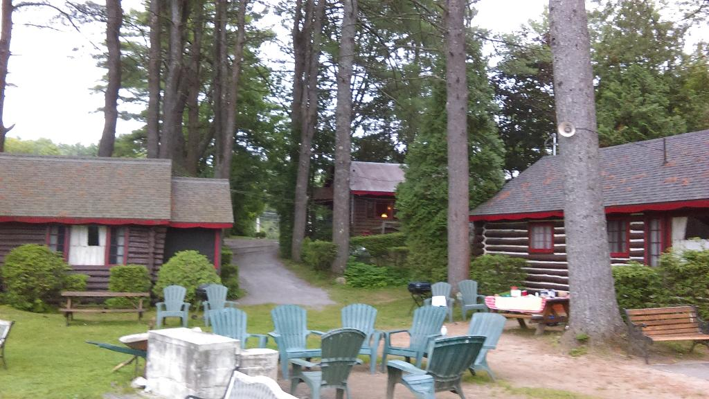 Pine Point Cottages and Motel