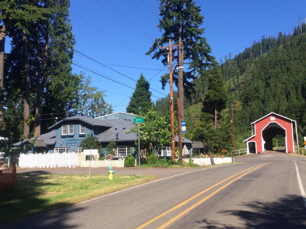Westfir Lodge
