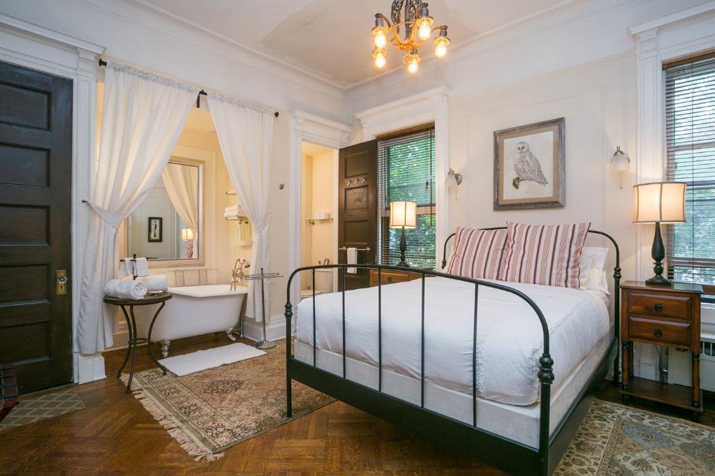 Lefferts Manor Bed & Breakfast