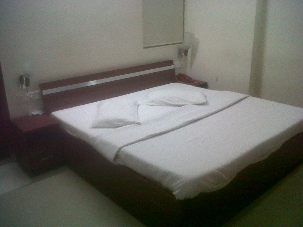 Hotel Kanishk