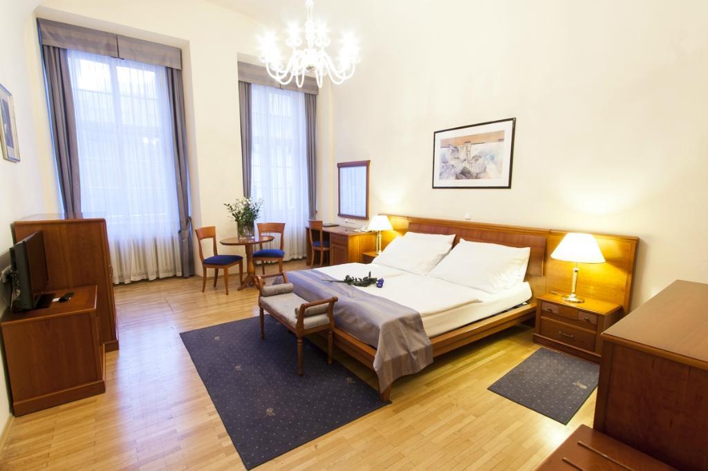 호텔 모드라 루즈