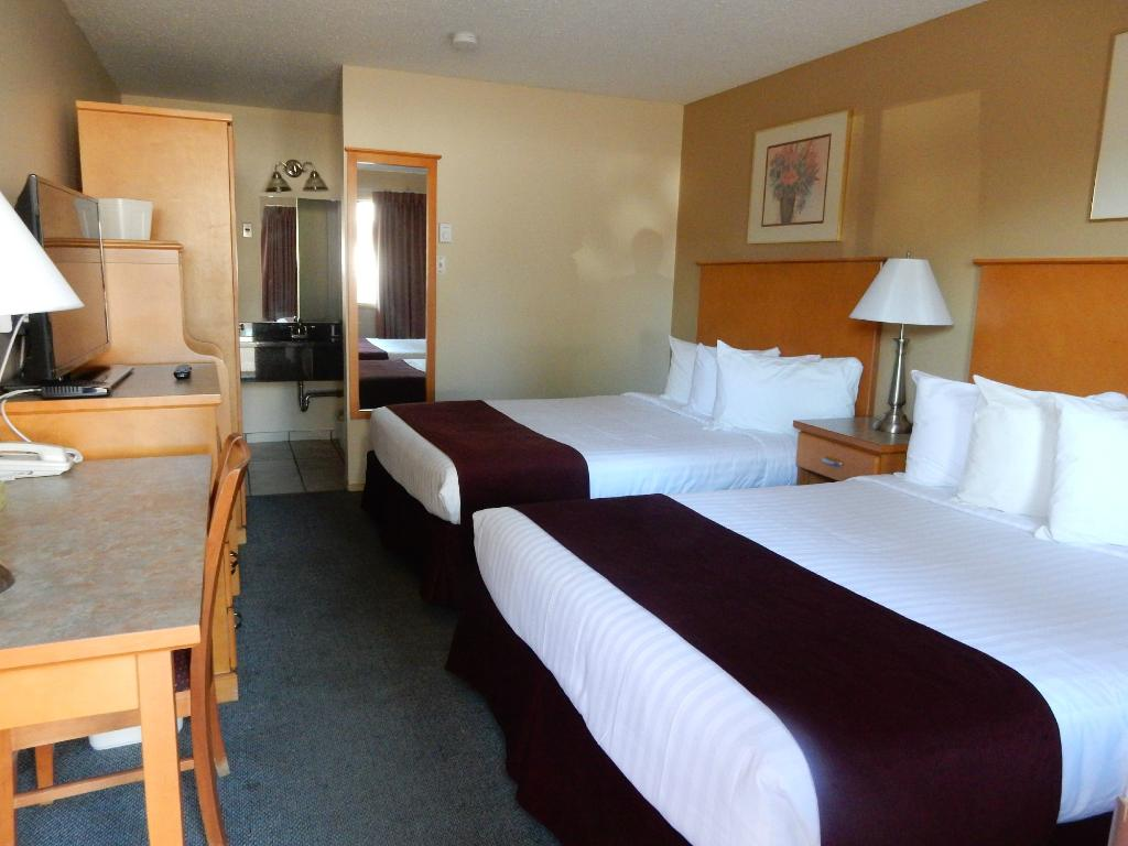 Canadas Best Value Inn and Suites