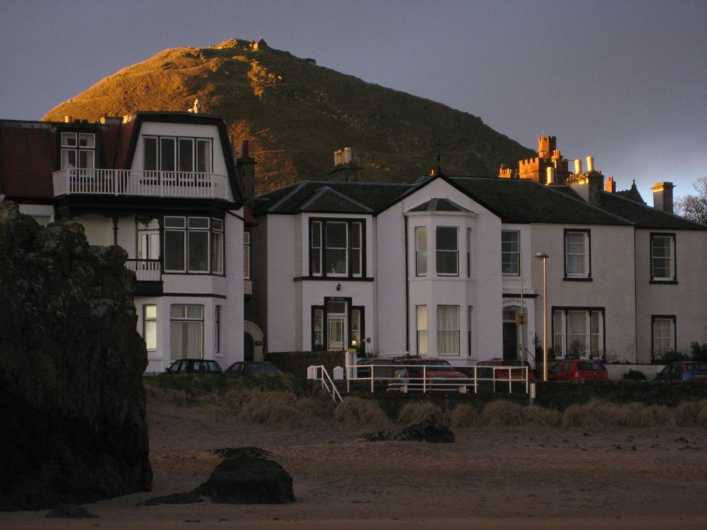 The Wing, Bed and Breakfast