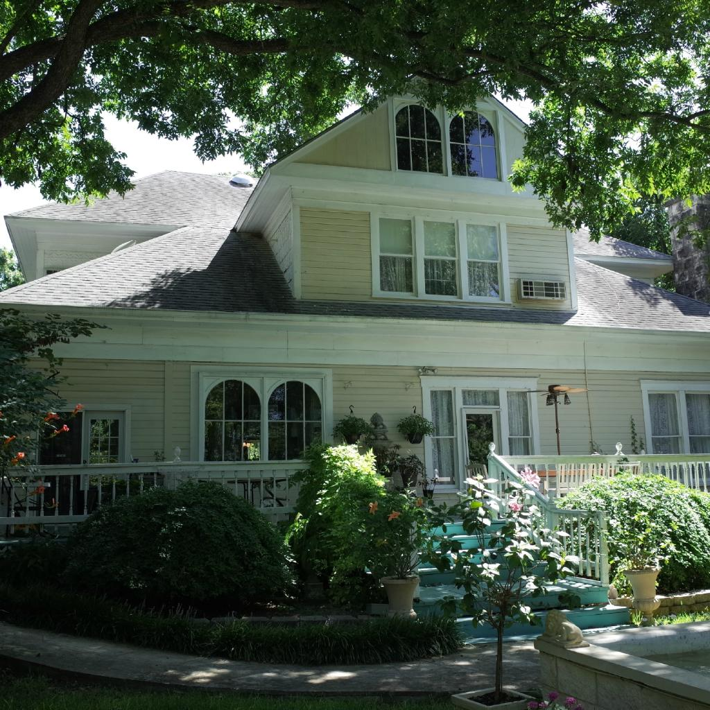Strickland Arms Bed and Breakfast