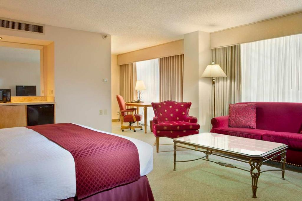 ‪DoubleTree by Hilton Hotel Dallas - Campbell Centre‬
