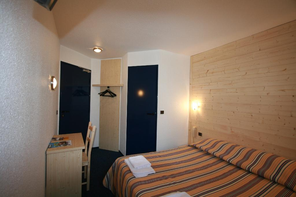 Stars Dreux Hotel