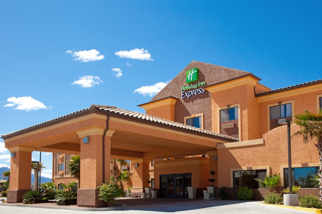 Holiday Inn Express Hotel & Suites Kingman