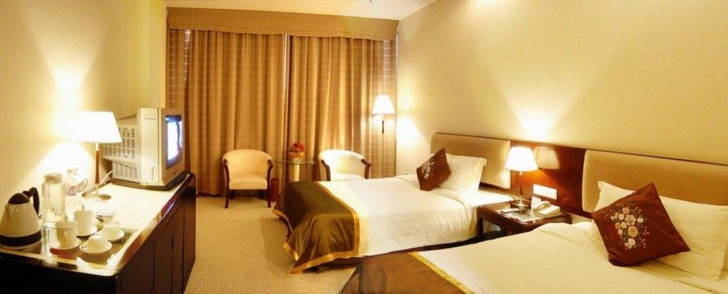 Dongfang Huayuan Hotel