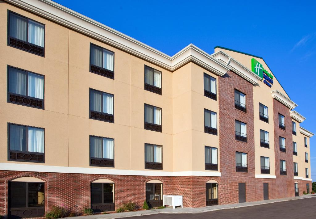 ‪Holiday Inn Express & Suites North East‬