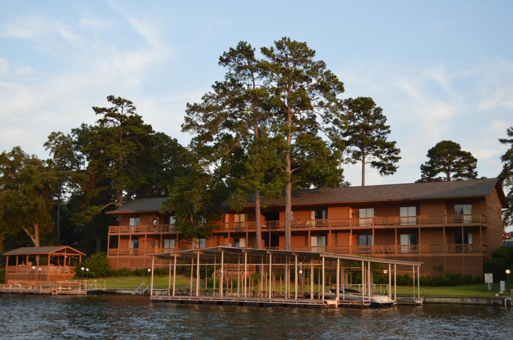Country Inn Lake Resort
