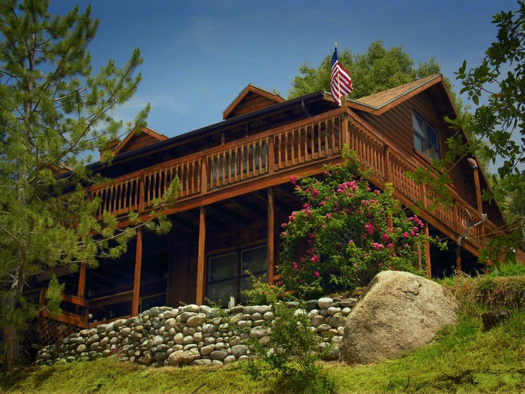 The Log House Lodge