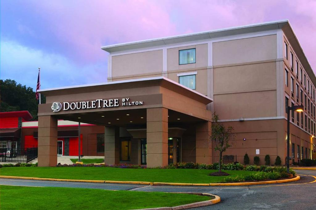 ‪DoubleTree by Hilton Hotel Mahwah‬