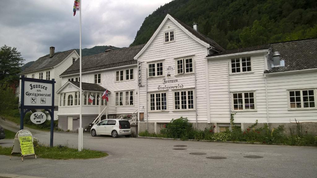 Jaunsen Gjestgjevarstad