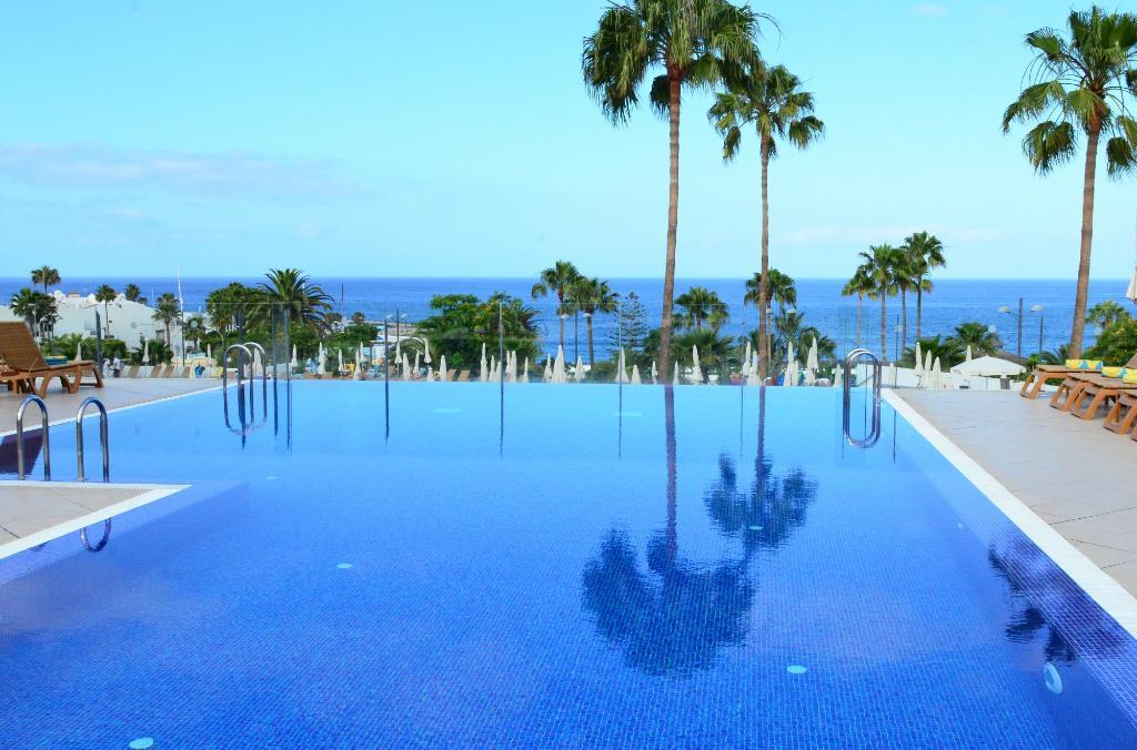阿德耶魯拜海岸酒店