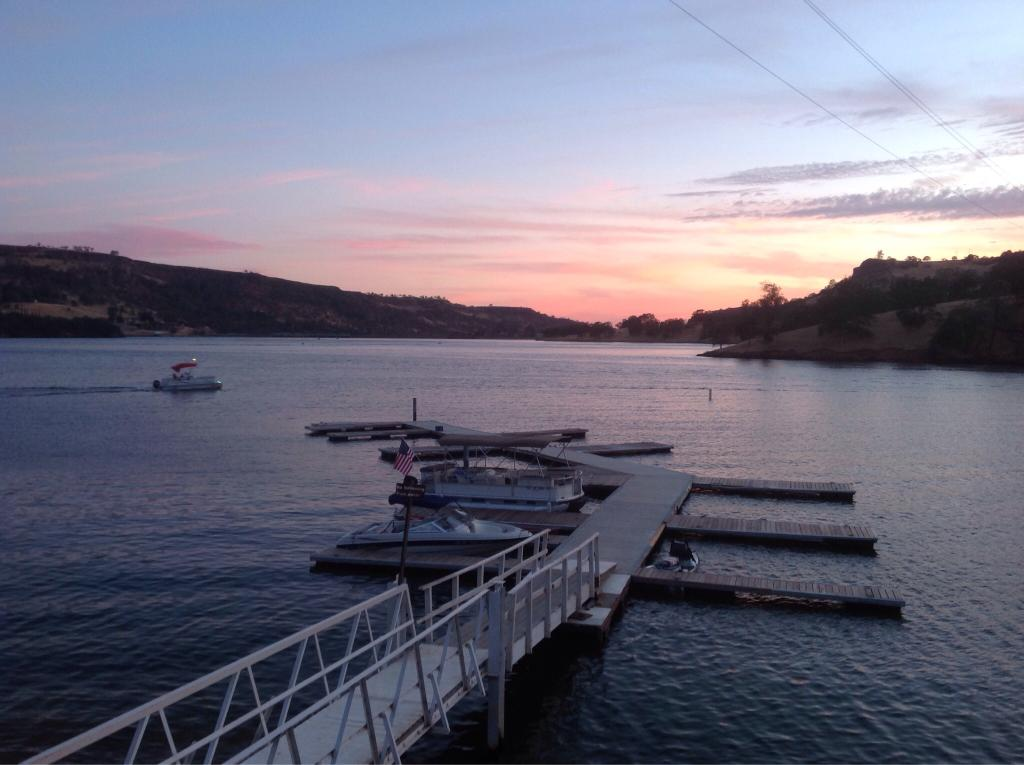 Lake Tulloch RV Campground and Marina