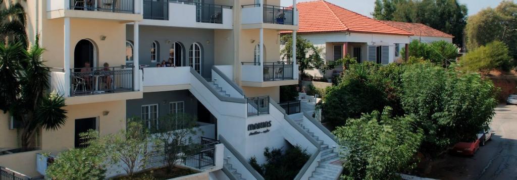 Hotel Manias