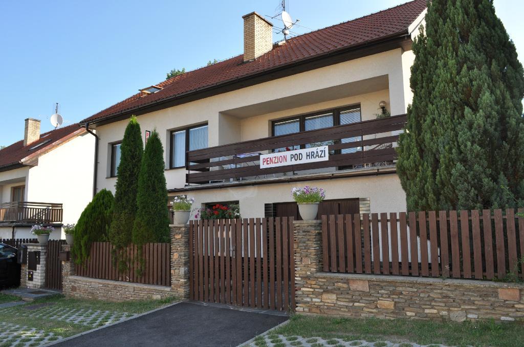 Penzion Pod Hrazi