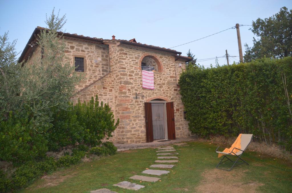 Casali in Val di Chio by Famiglia Buccelletti