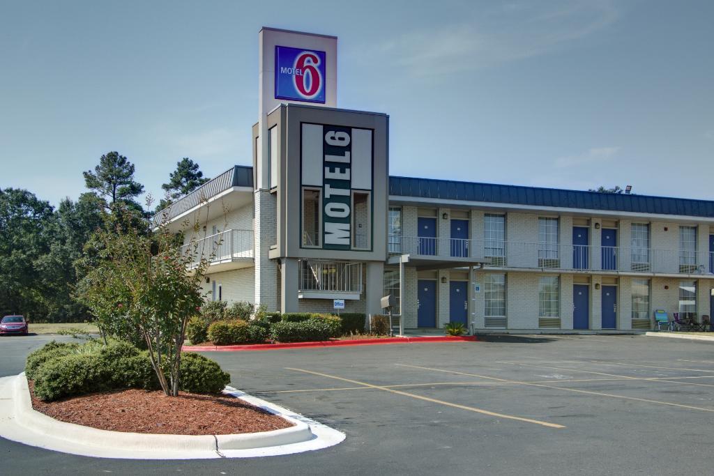西門羅 6 號汽車旅館