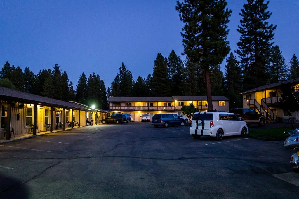 魅力汽車旅館與套房飯店