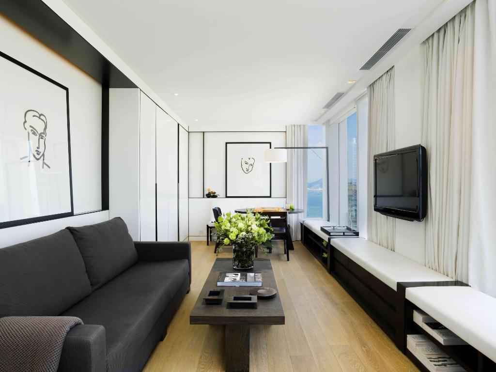 The Jervois - Full Floor Designer Suite Hotel