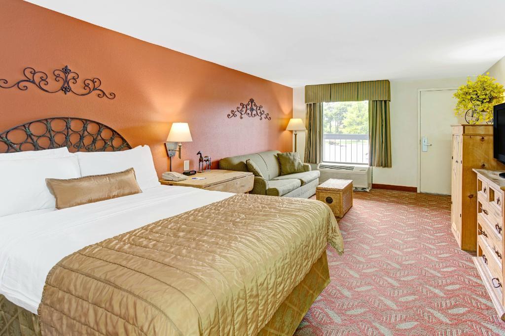 Baymont Inn & Suites Murfreesboro