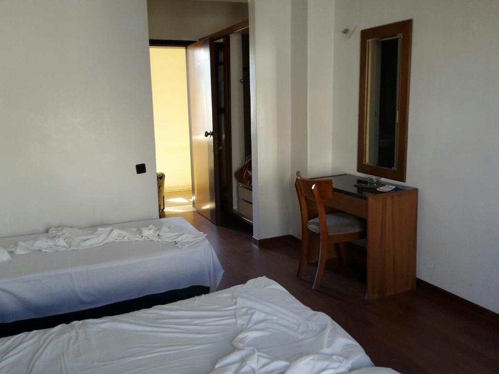 Aigli Hotel Perea