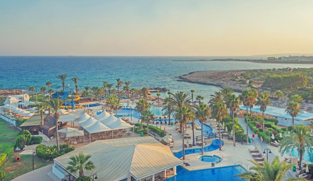 亞當斯海灘飯店
