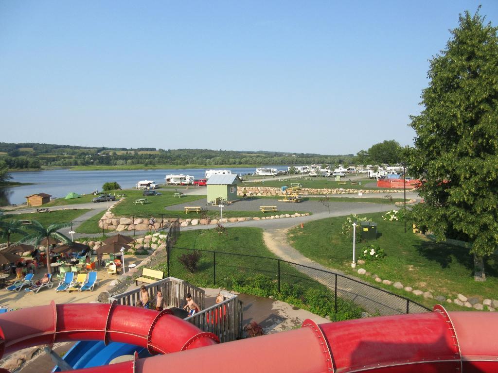 Hartt Island RV Resort & Waterpark