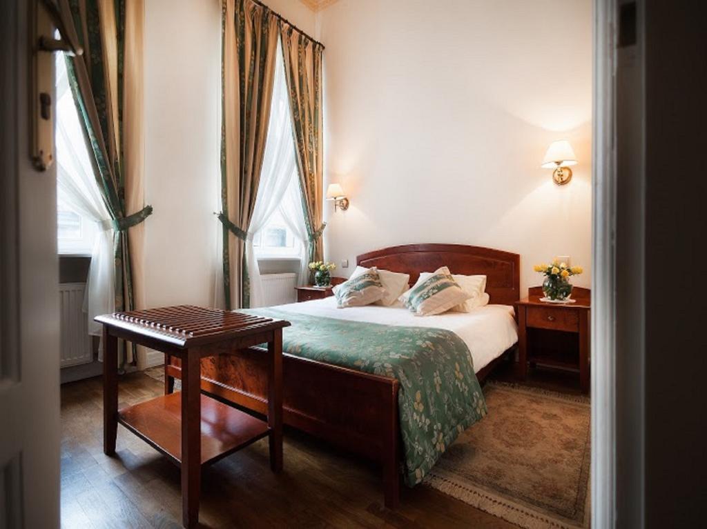 Karmel Hotel