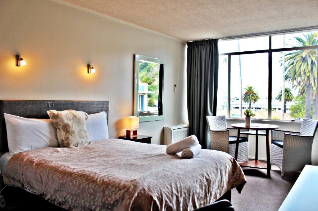VR Napier Hotel