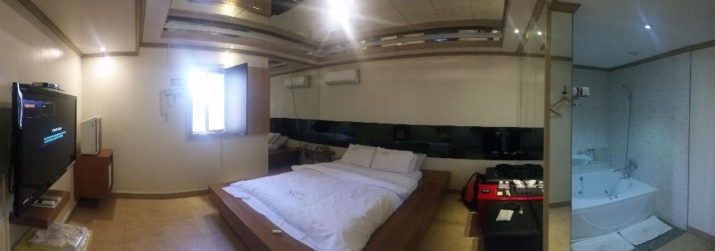 S Petite Hotel