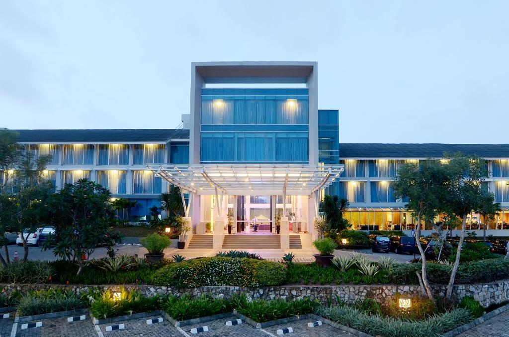 エメルシア ホテル & リゾート