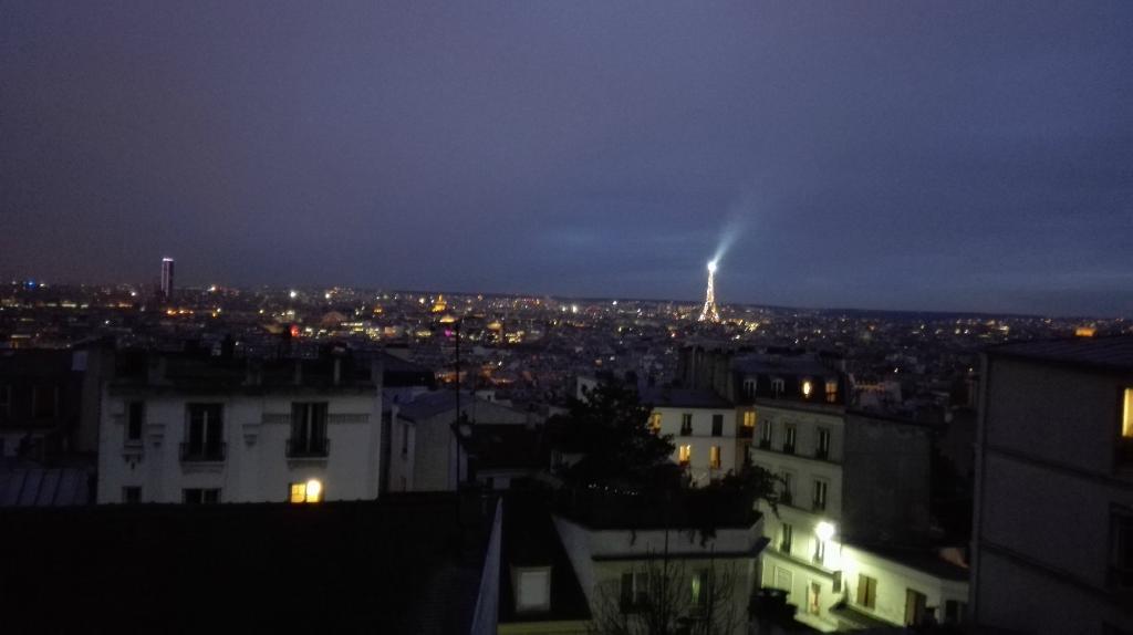 Une Chambre a Montmartre