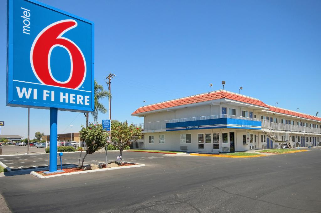 Motel 6 Fresno - Blackstone South