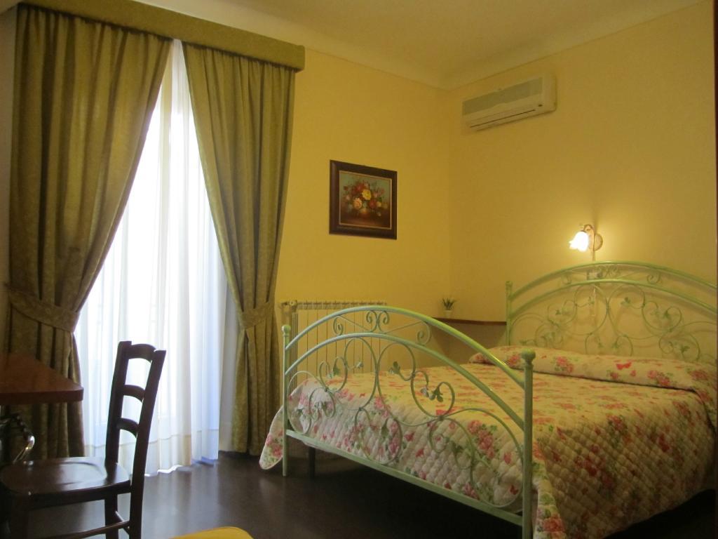 Hostel H24