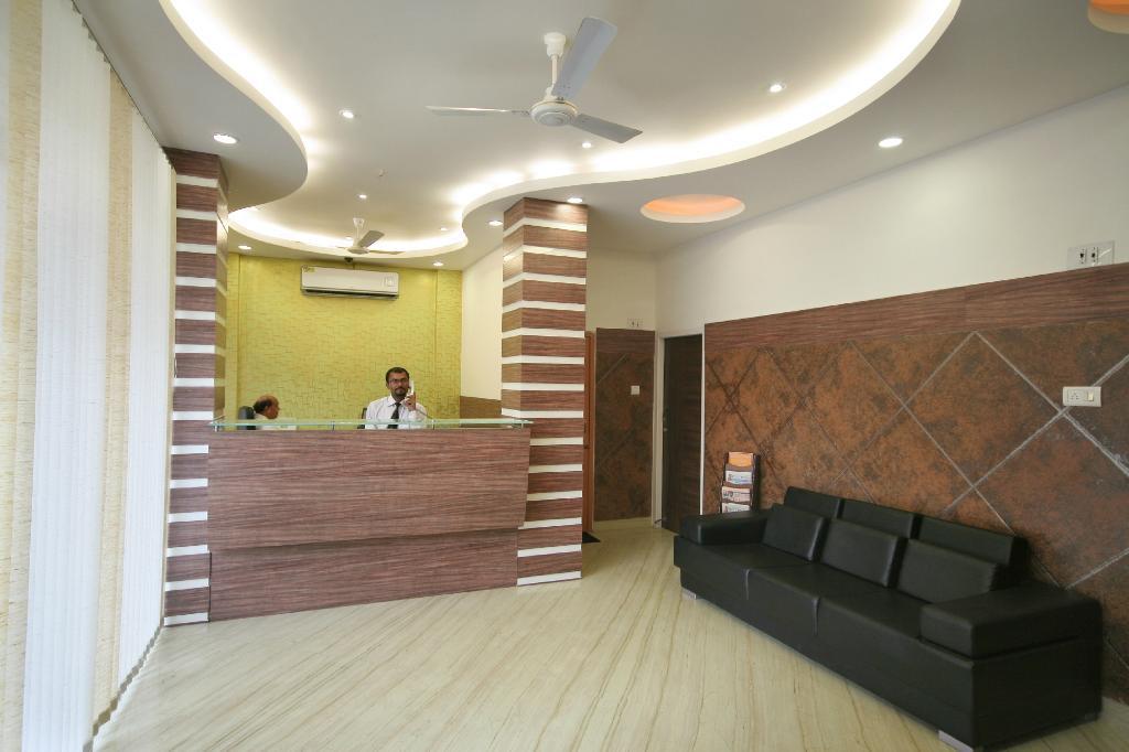 โรงแรมปัดมินี พาเลซ
