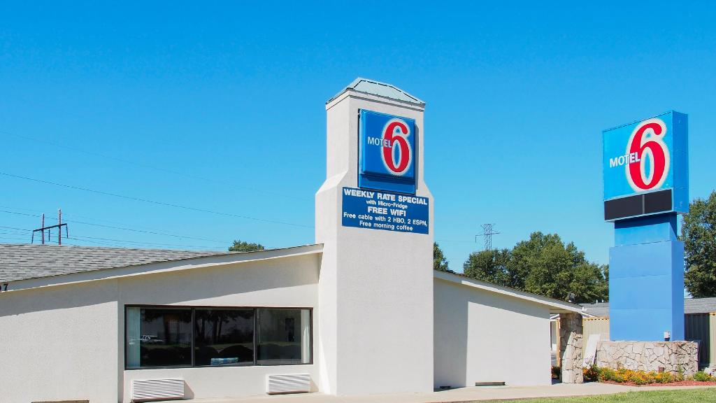 ‪Motel 6 Newport News‬