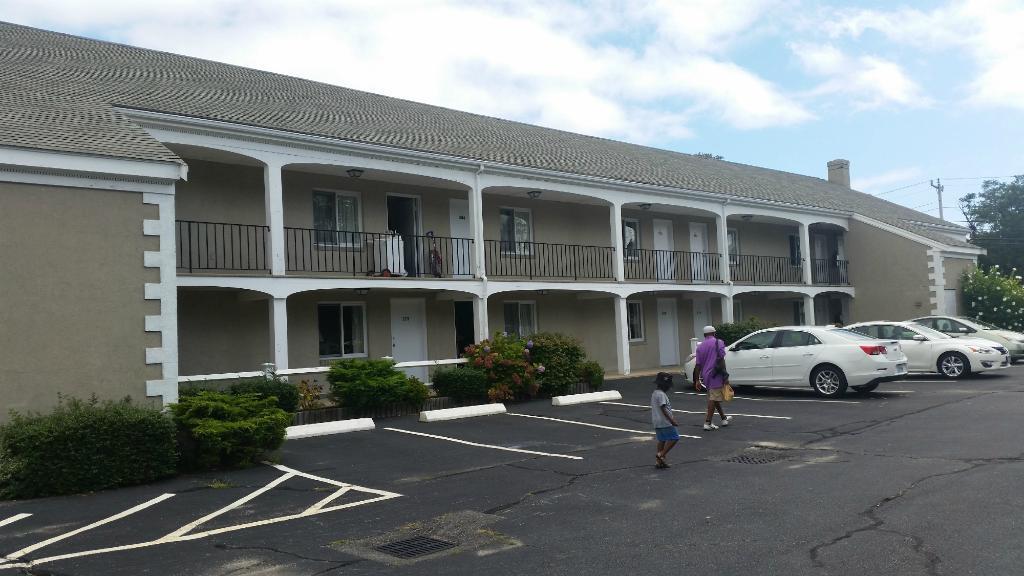 Hyannis Inn Motel