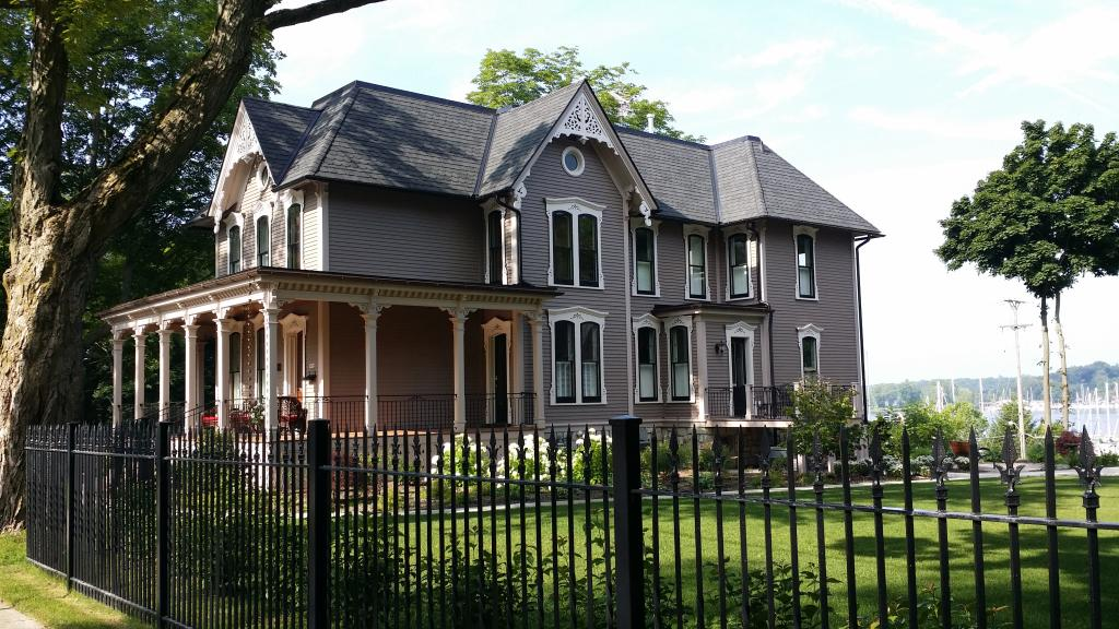 The Lewis House Bed & Breakfast