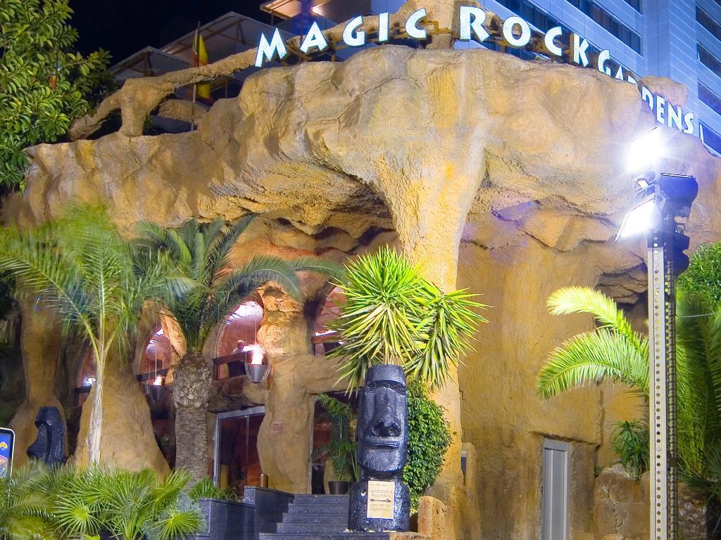 魔法水上岩石花園飯店