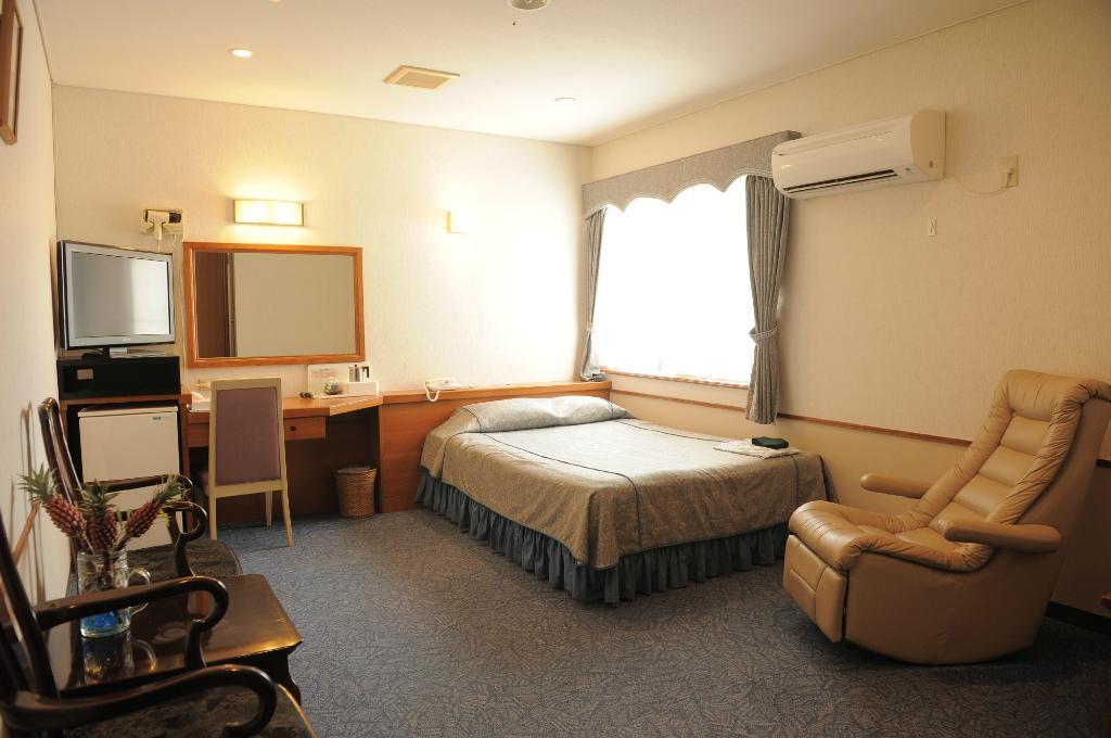 皇冠飯店 沖繩
