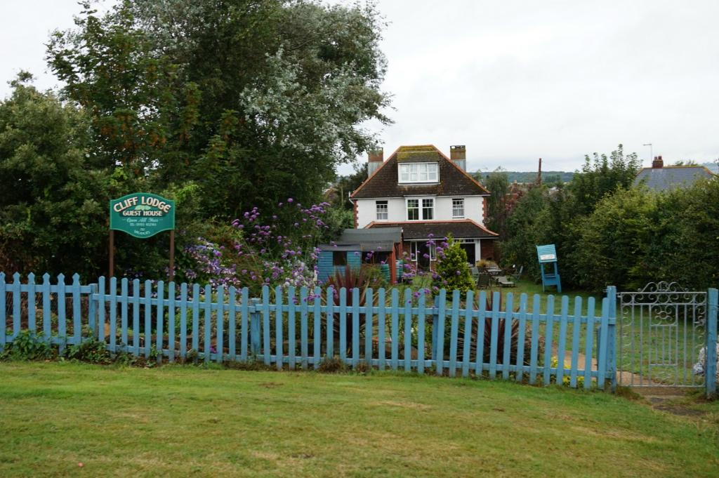 Cliff Lodge Guest House