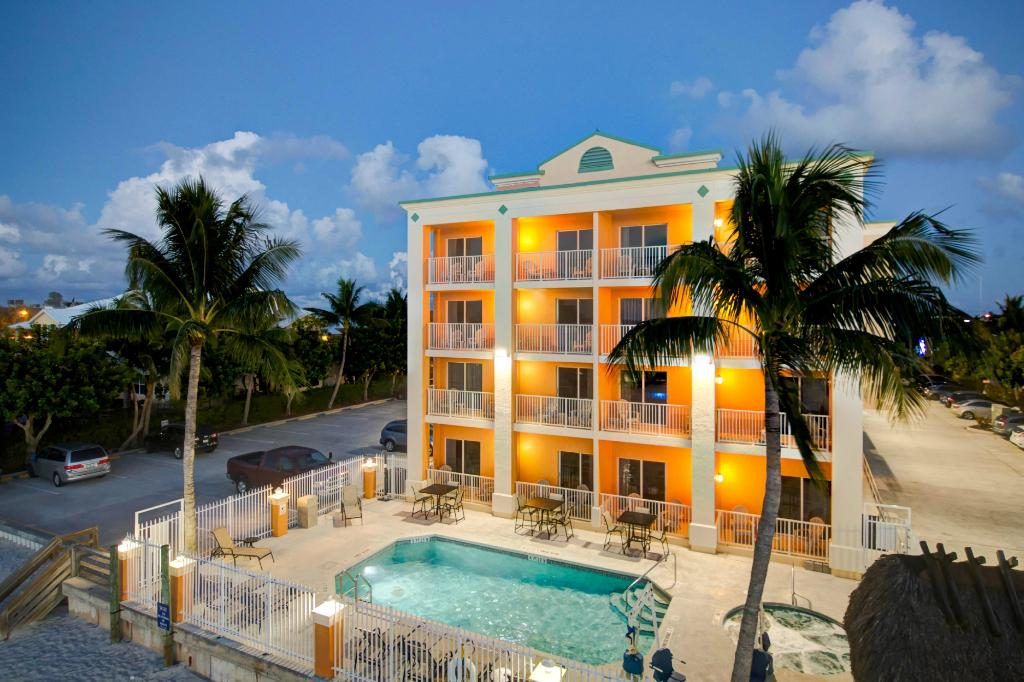 ‪Hutchinson Island Plaza Hotel and Suites‬