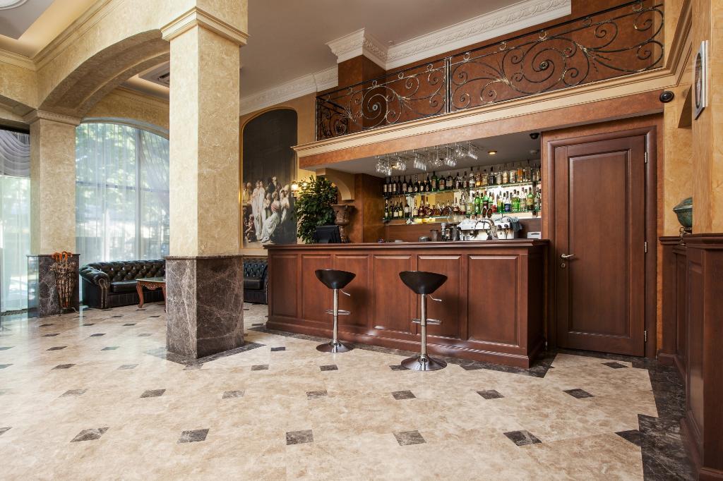 アレクサンドロフスキー ホテル