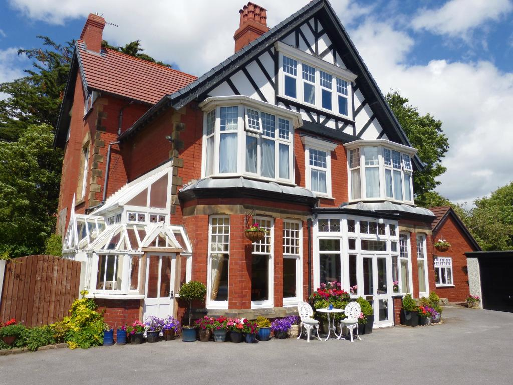 Pendragon House Bed & Breakfast